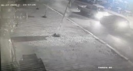 Alkollü sürücüler kafa kafaya çarpıştı