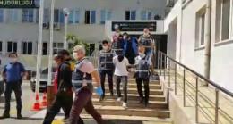 Bursa'da 2 bin polisle yapılan hırsızlık operasyonunda gözaltına alınan 20 kişi adliyeye sevk edildi