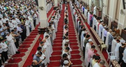 Kuveyt'te camiler yeniden açılıyor