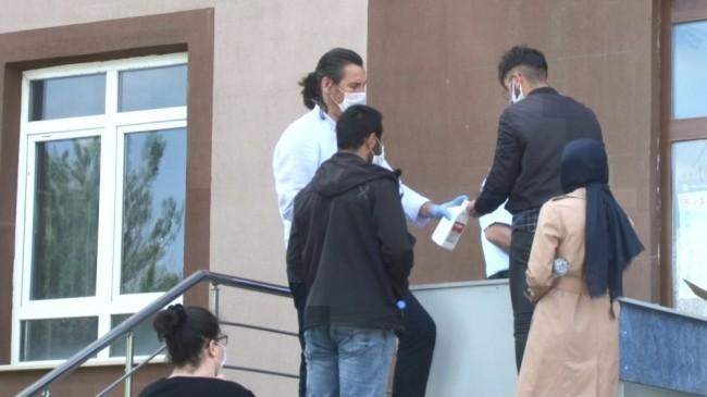 Erzurum'da Covid-19 tedbirleri kapsamında AYT sınavı