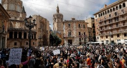 İspanya'da binlerce kişiden ırkçılık karşıtı protesto