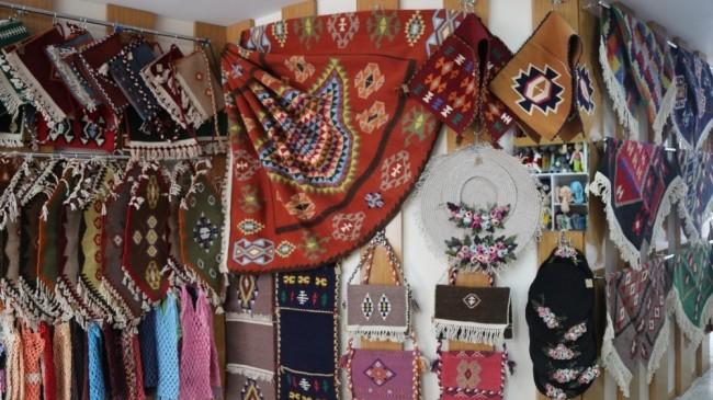 Kadınların el emeği ürünler ERMEK'te satışa sunuluyor