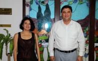 Sanatçı Göksel'den Karaca'ya ziyaret