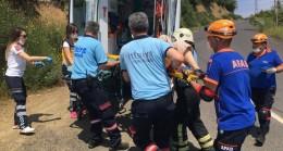 Seyir halindeki otomobil 40 metre uçurumdan yuvarlandı