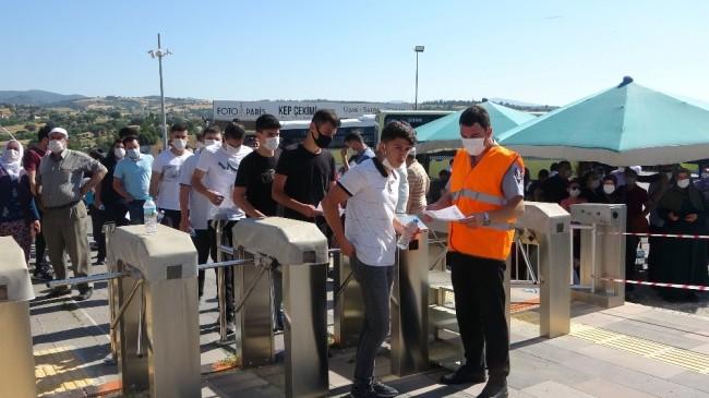 Uşak'ta 10 bin 540 öğrencinin TYT heyecanı başladı