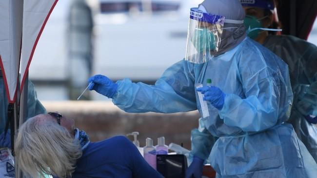 Avustralya'da Covid-19 salgınında rekor sayıda vaka ve ölüm kayda geçti