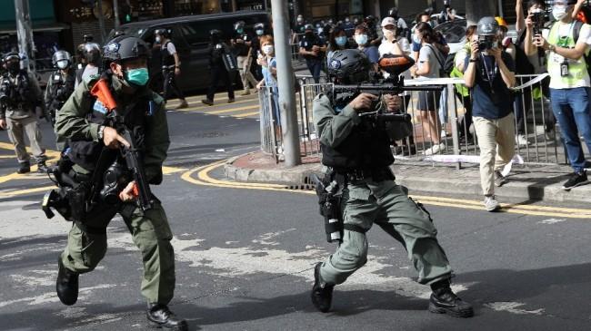 Hong Kong'da Ulusal Güvenlik Yasası kabul edildi, sokaklar karıştı