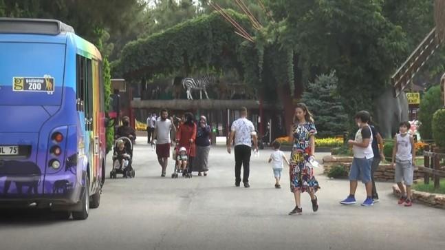 Gaziantep Hayvanat Bahçesi'nde bayram yoğunluğu