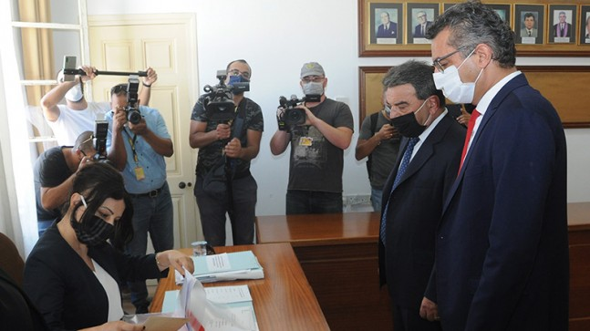 Cumhuriyetçi Türk Partisi (CTP) Cumhurbaşkanı adayı Tufan Erhürman adaylık başvurusunu yaptı.