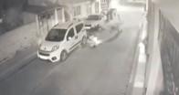 Motosiklet bisiklete çarpıp sürükledi, o anlar kamerada
