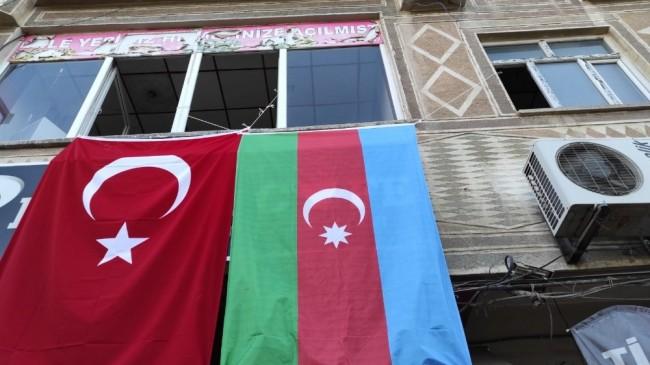 3 bin rakımlı Mereto Dağı eteklerinden Azerbaycan'a destek