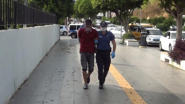 Kapalı çarşıdaki seç beğen hırsızlık şüphelisi yakalandı