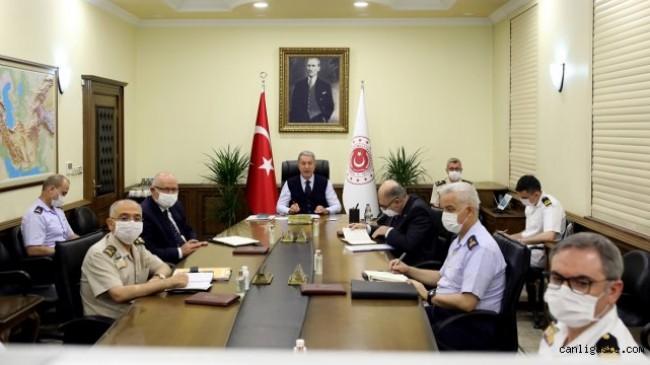 Akar'dan birlik komutanlarıyla videokonferans toplantısı