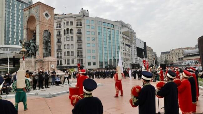 Taksim'de İstanbul'un Kurtuluşu'nun 97. yıl dönümü için tören