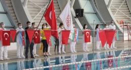 10 Kasım Atatürk'ü Anma Yüzme müsabakaları devam ediyor