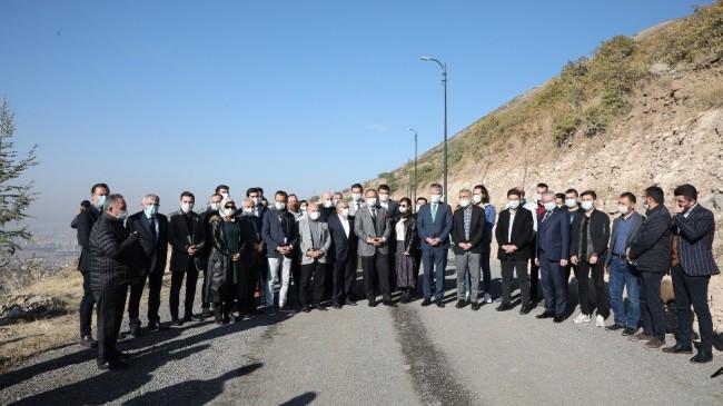 AK Parti teşkilatı Ali Dağı'nda ağaç dikti