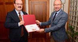 Bakan Yardımcısı Dr. Çam Rektör Erdal'ı ziyaret etti