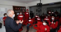 Başkan Zolan, İzmir depreminin kahramanlarını ziyaret etti