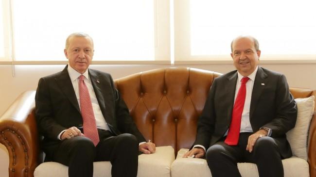 Cumhurbaşkanı Erdoğan KKTC'de resmi törenle karşılandı