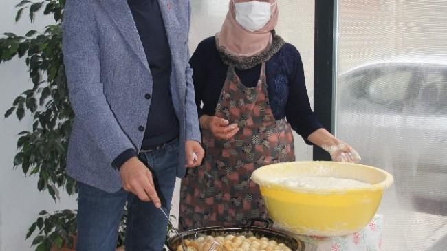 Devrekani Belediyesinden sağlık çalışanlarına 'cırık tatlısı' ikramı