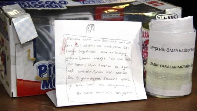 İzmir'e gönderilen yardım kolilerinden duygulandıran notlar çıkıyor