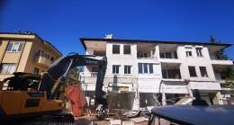 Marmaris'te depreme dayanıksız binalar yıkılıyor