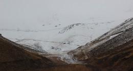 Yüksek kesimlere yağan kar kartpostallık görüntüler oluşturdu