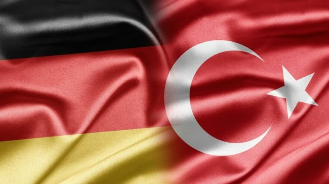 Almanya'daki Türkler panikte: Pasaportlar yenilenemiyor