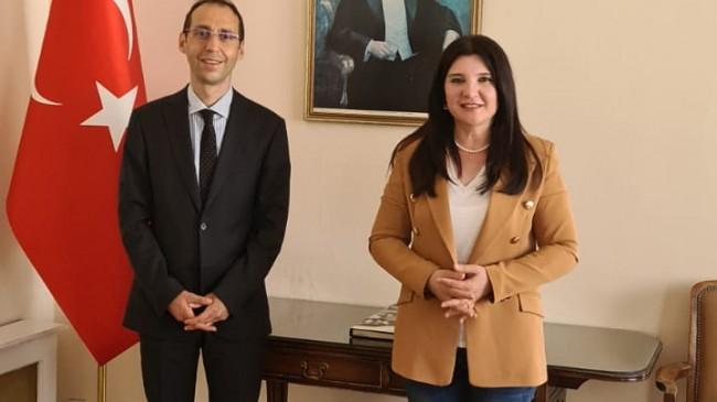 Global Euro Genç TV Ingiltere Temsilcisi Hülya Özkoyuncu, Türkiye'nin Başkonsolosu Bekir Utku Atahan'ı makamında ziyaret etti.