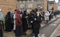İngiltere'deki Müslümanlar ayağa kalktı
