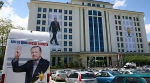 AKP'de oy kaybına karşı hangi önlemler tartışılıyor?